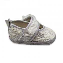 Lace Grey Baby Girl shoe. Fastener with flower and Swarovski crystals