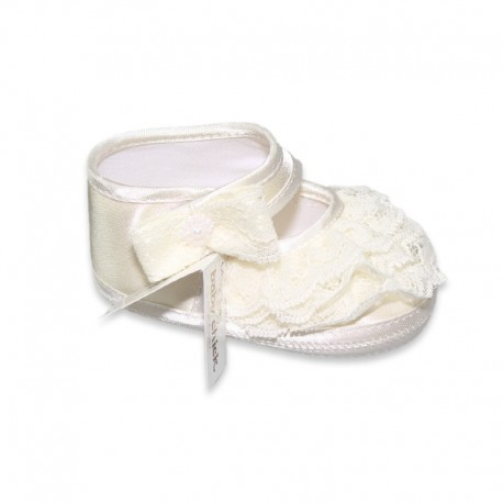 Cream color Baby Shoes with little lace ruffles